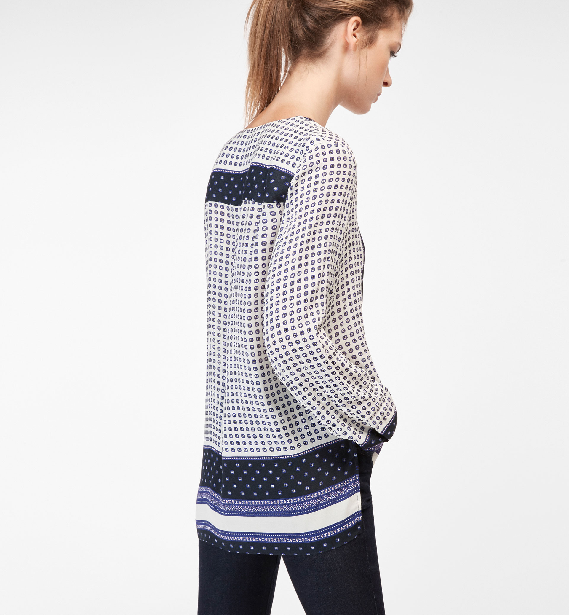 POSITIONAL PRINT SHIRT WITH A ZIP DETAIL