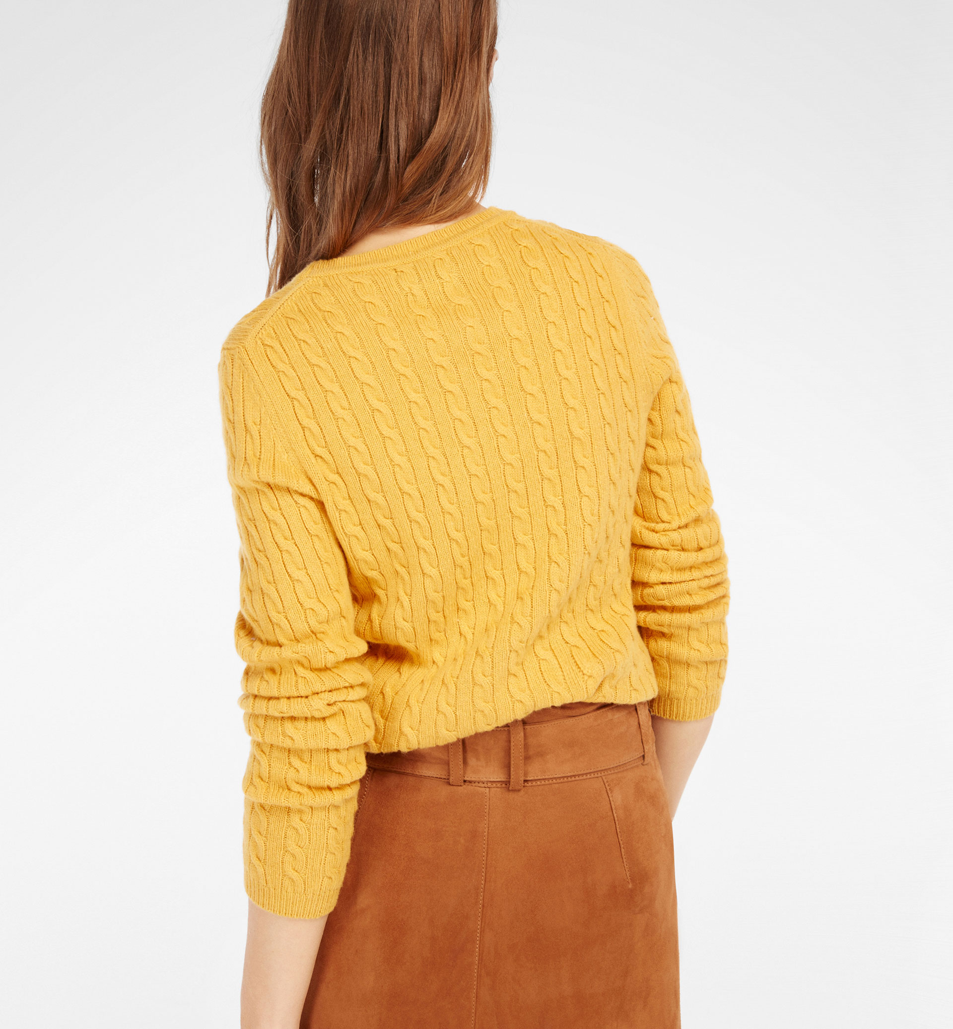 ROUND NECK CABLE-KNIT SWEATER