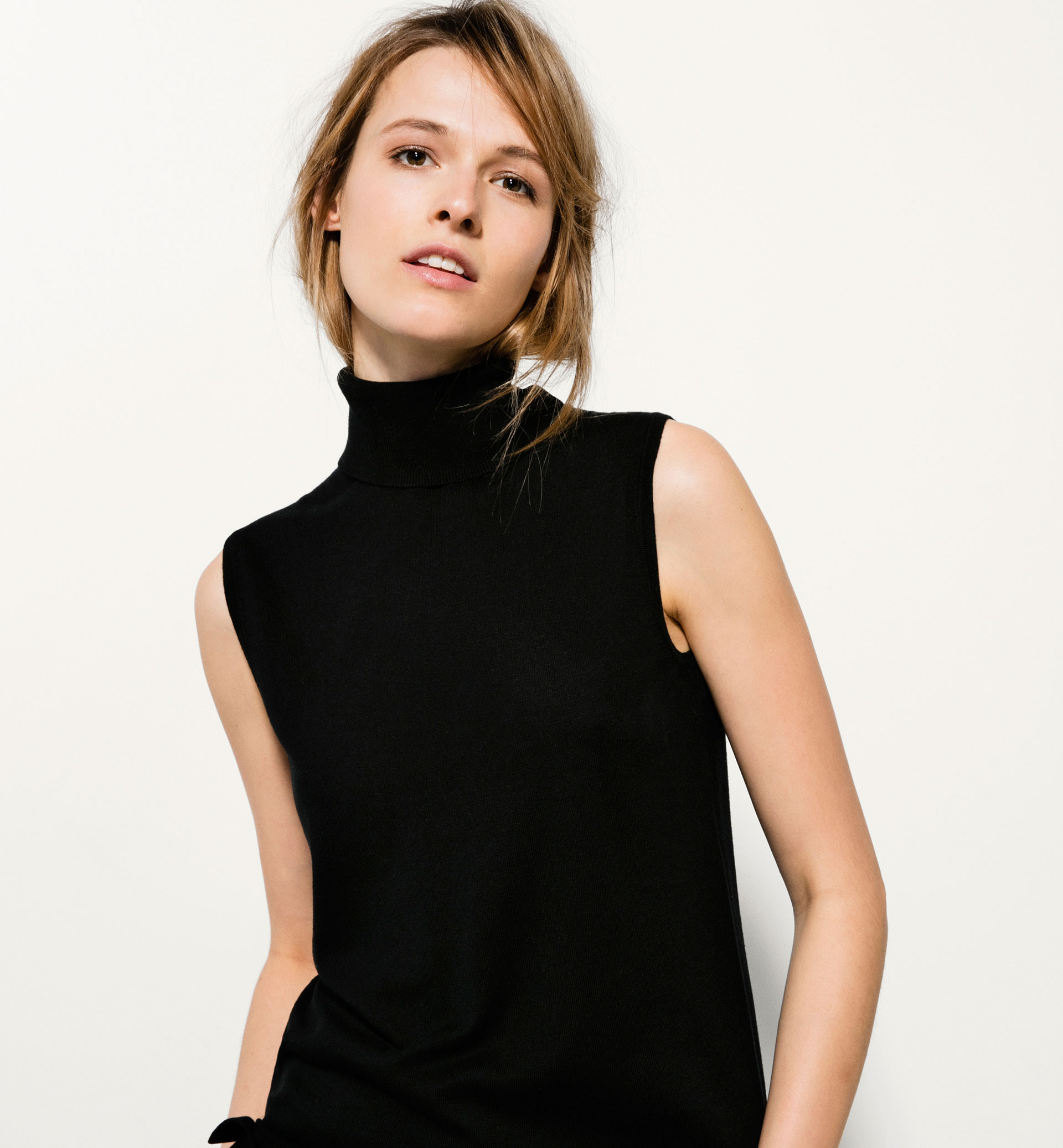 WOOL AND SILK POLO NECK TOP