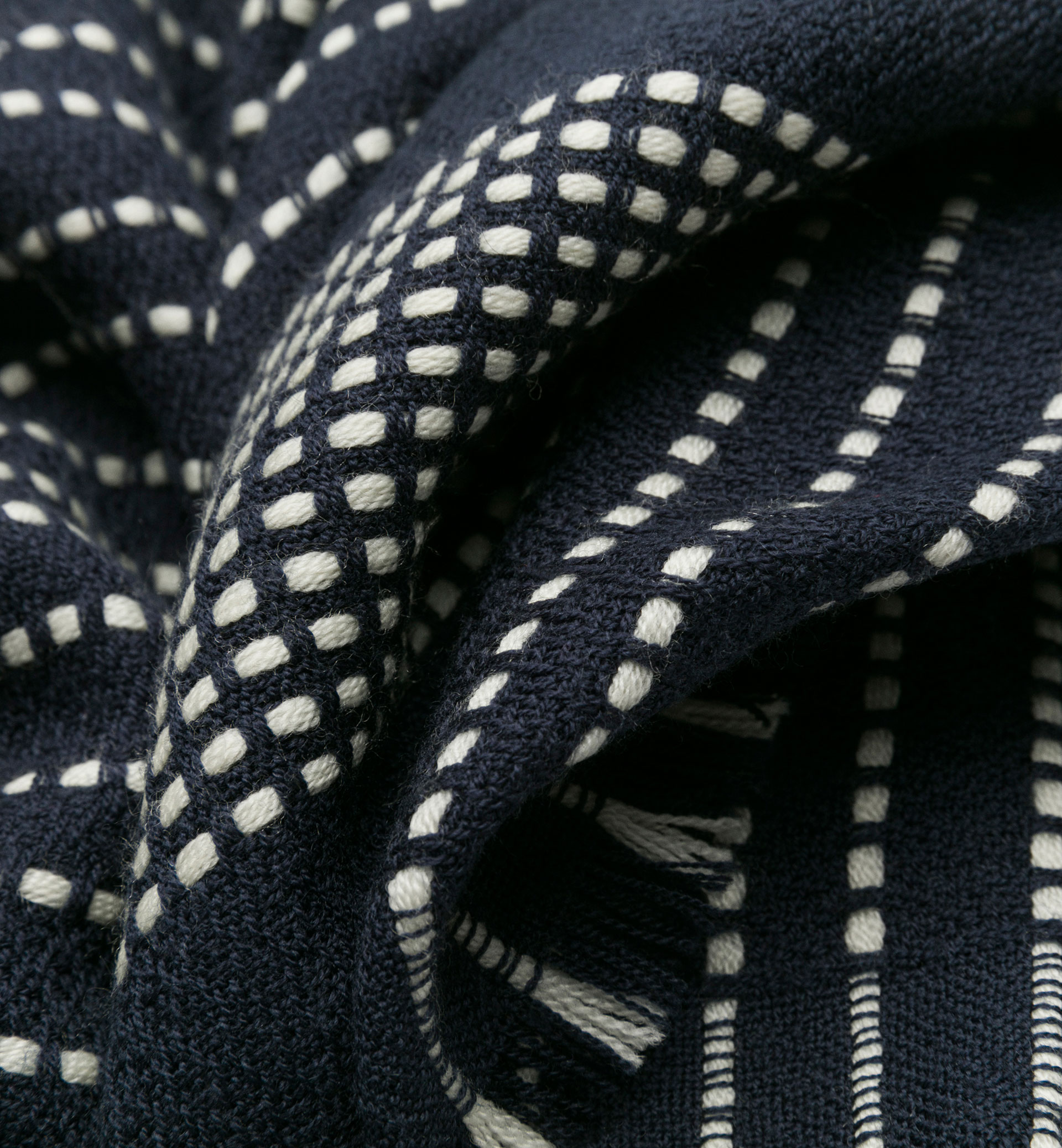 STRIPED WOOL SCARF WITH STITCHING