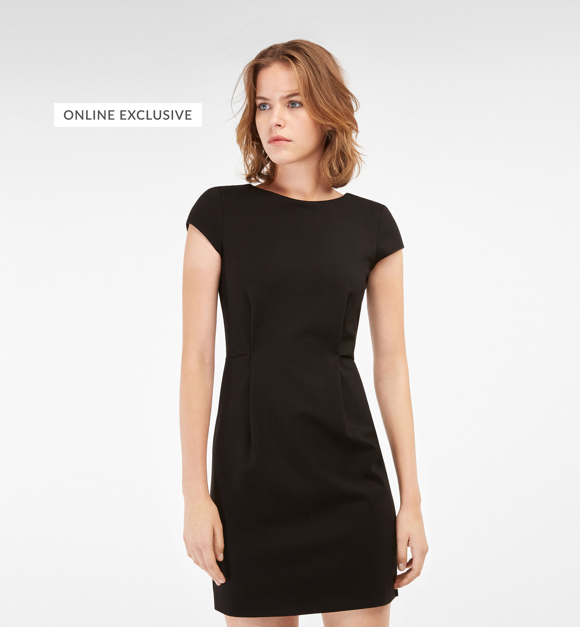 EXCLUSIVE ONLINE BLACK DRESS WITH PLEAT DETAIL