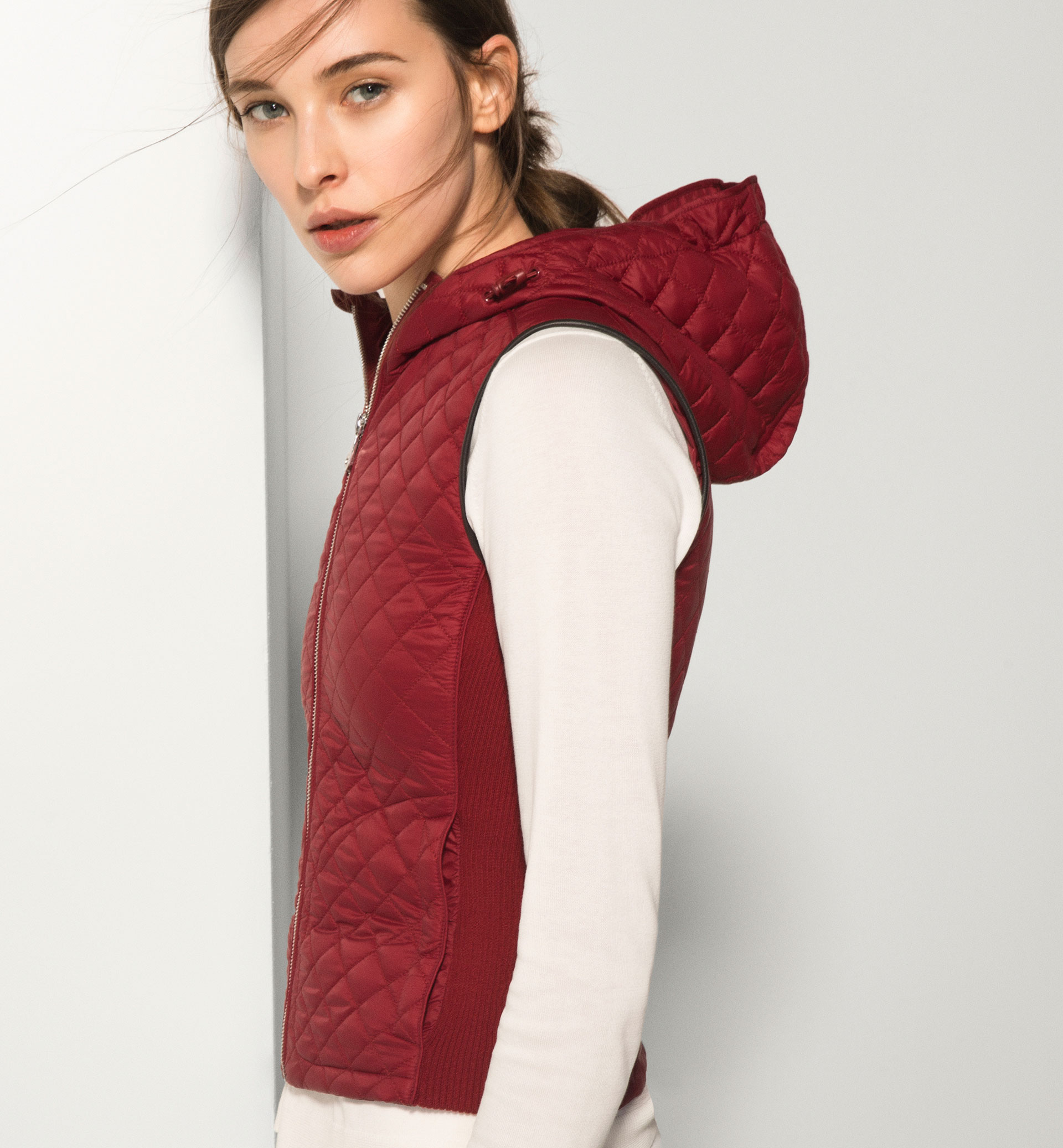 RED QUILTED GILET