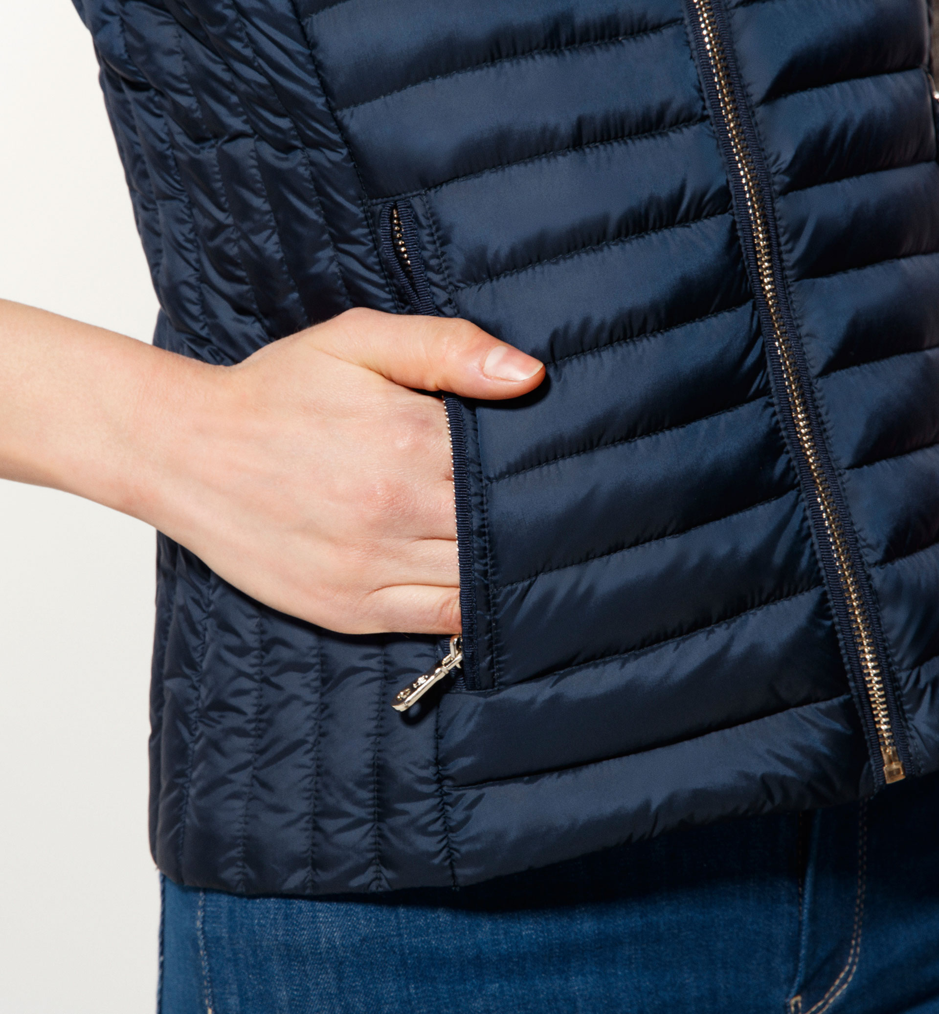 QUILTED FEATHER GILET