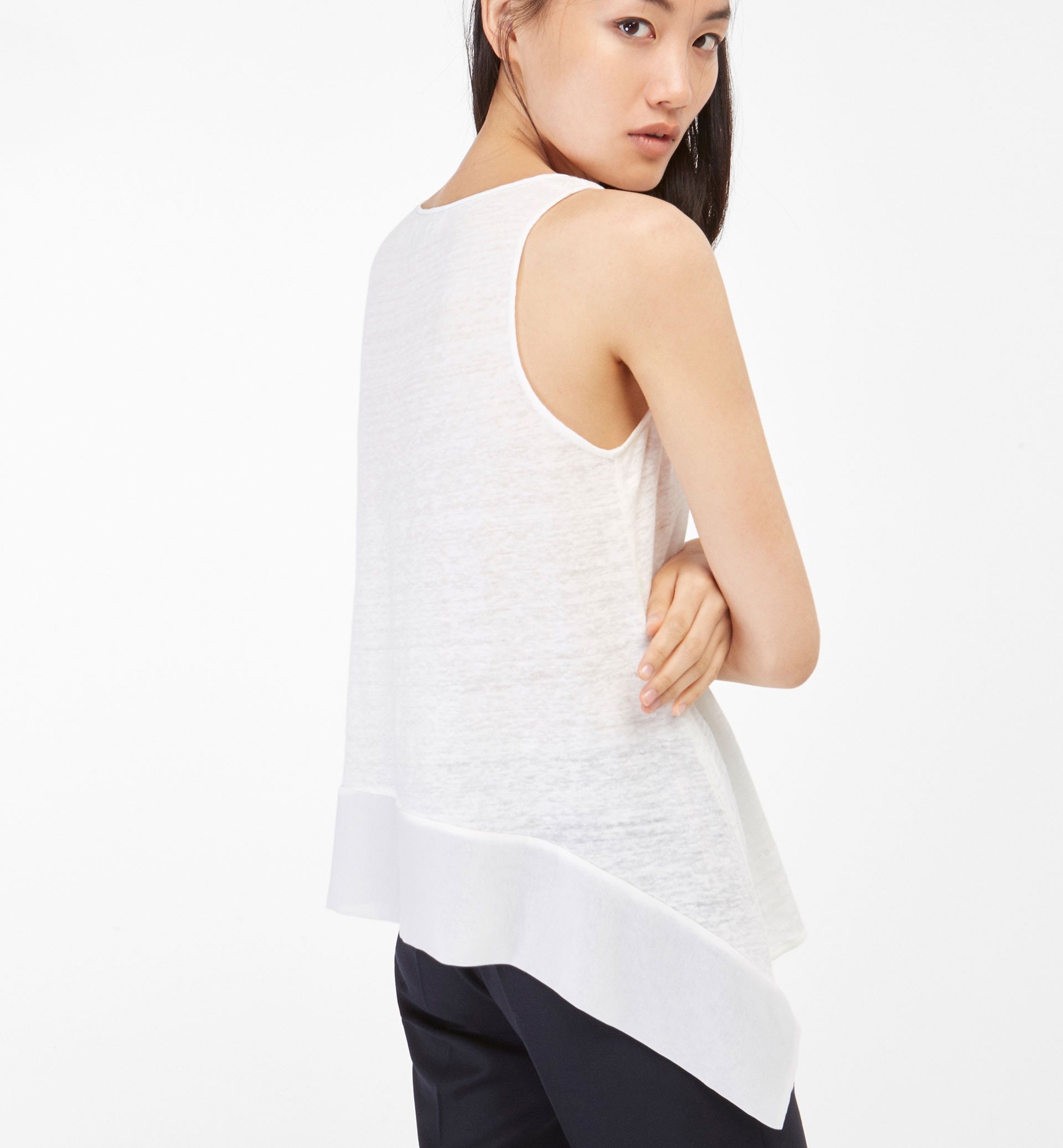 T-SHIRT WITH POINTED SIDES