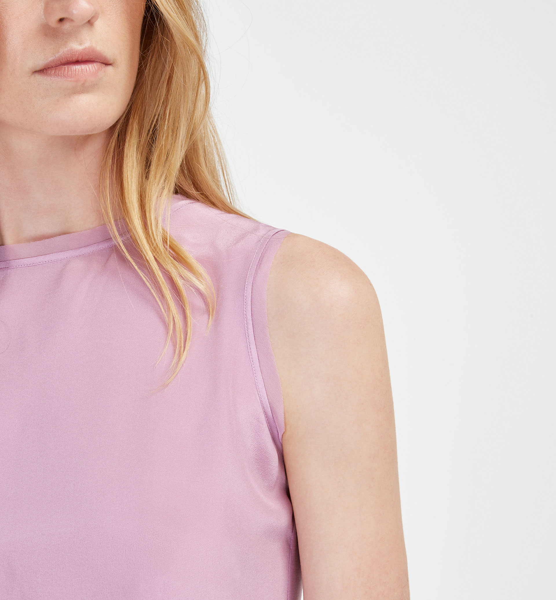 SILK TOP WITH FRAYED DETAIL