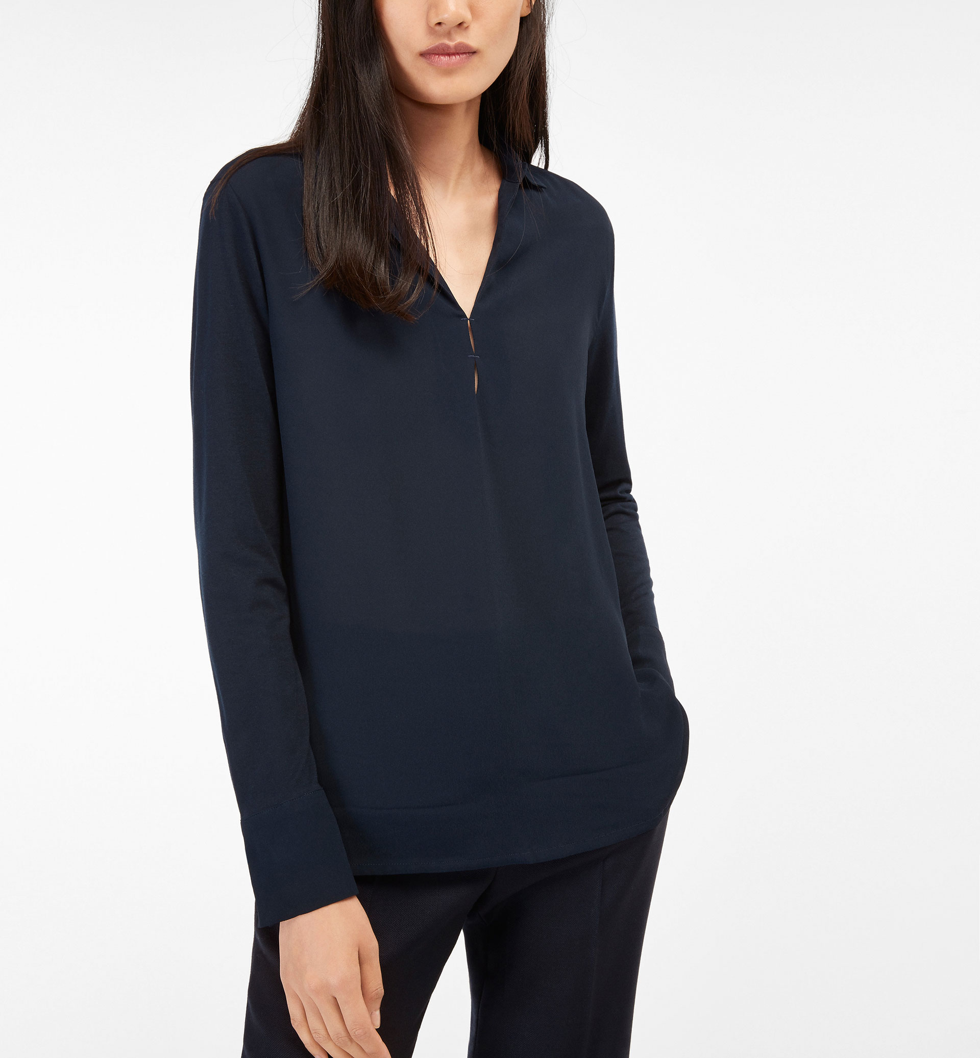 CONTRAST SHIRT WITH SLIT DETAIL