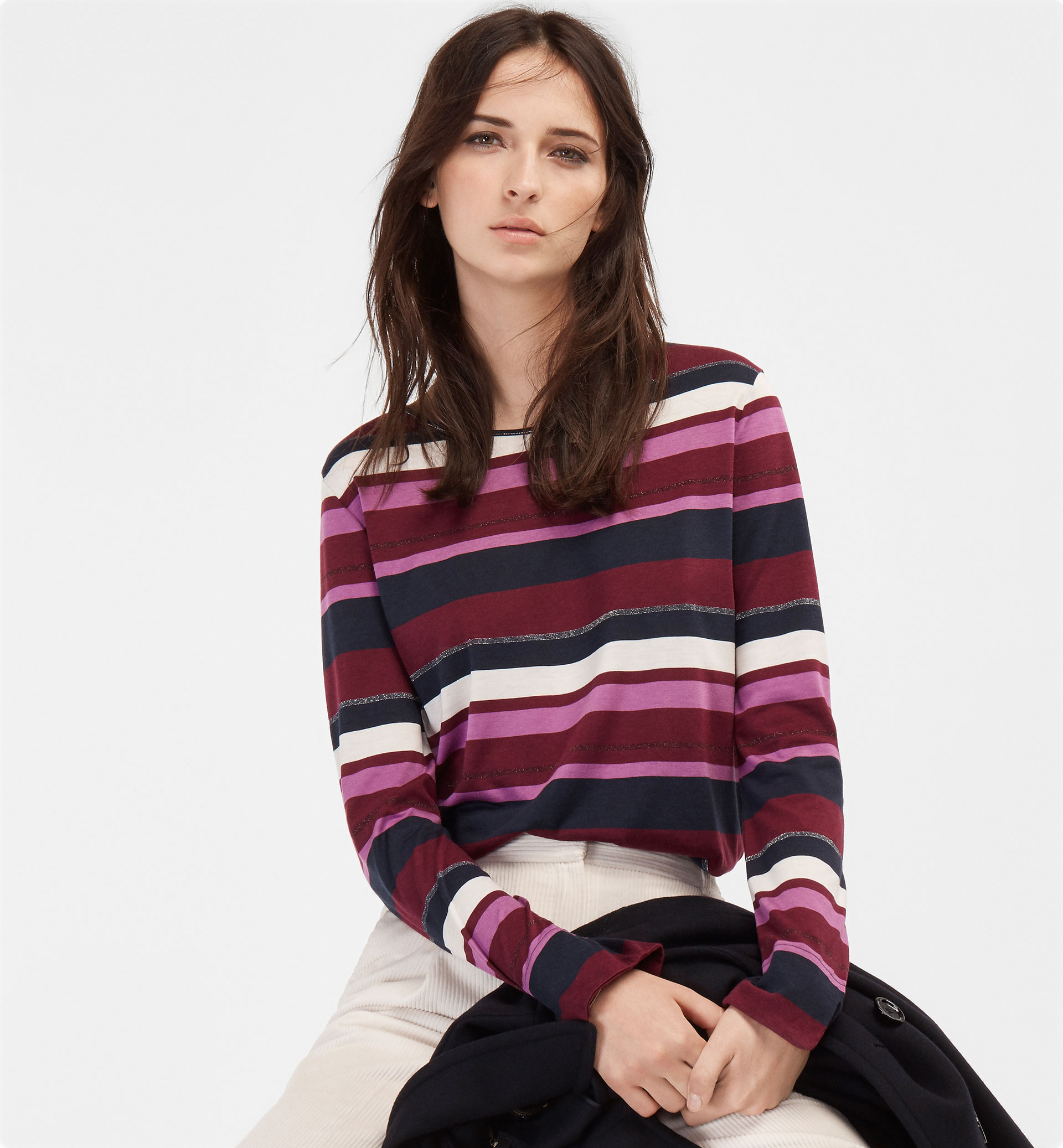 T-SHIRT WITH A STRIPED DETAIL