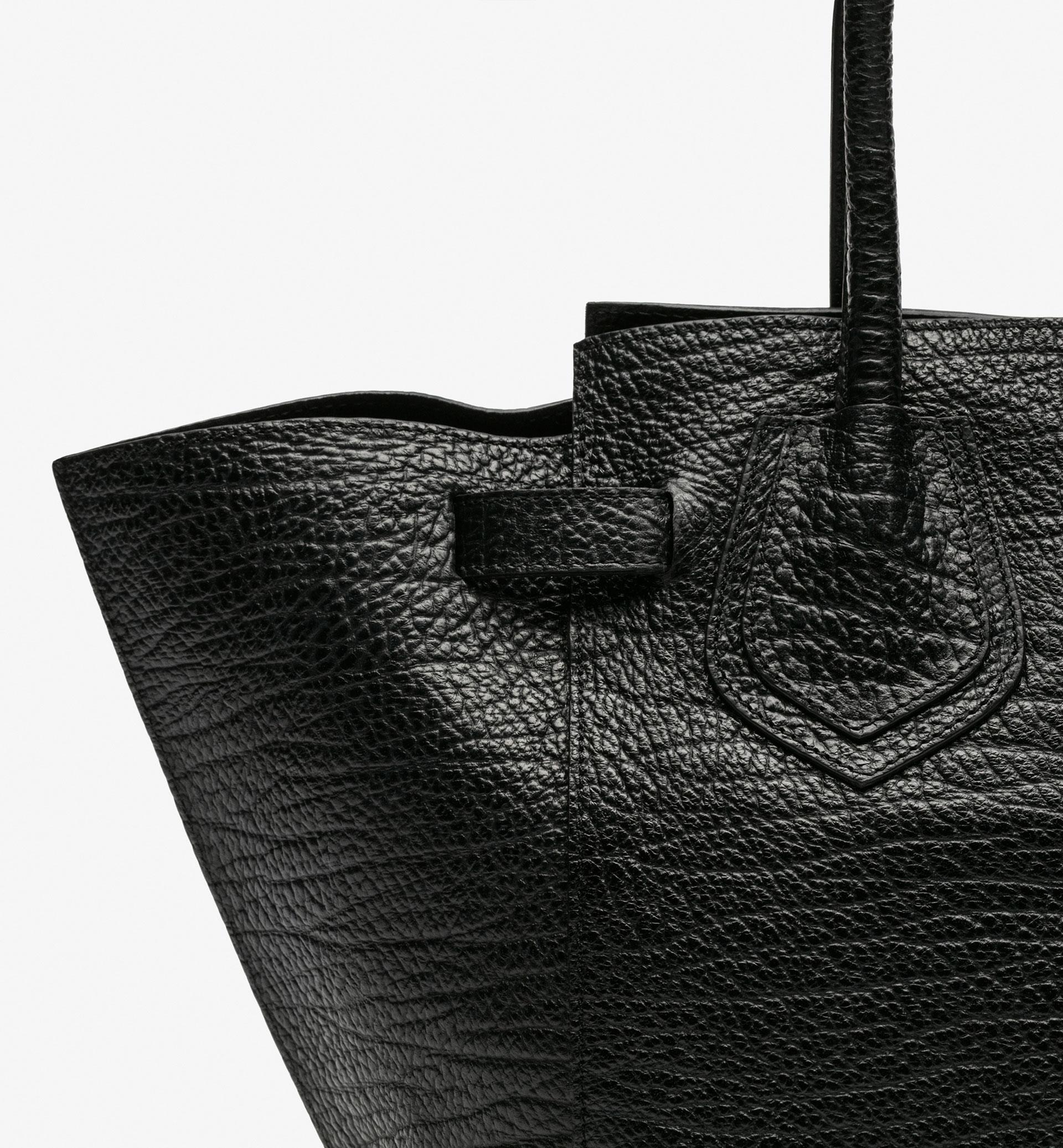 BLACK TEXTURED TOTE BAG