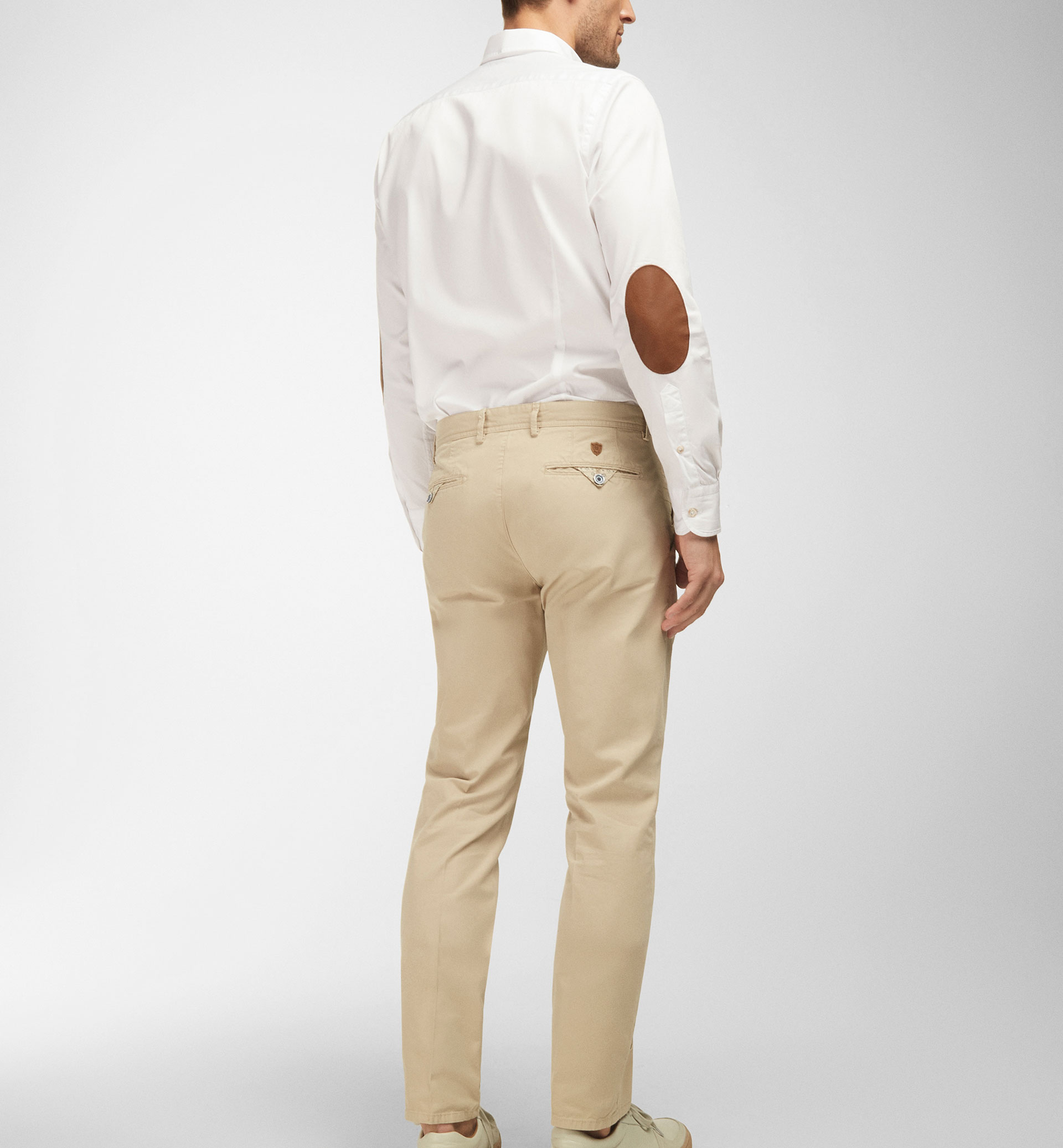 CASUAL FIT TWILL CHINOS