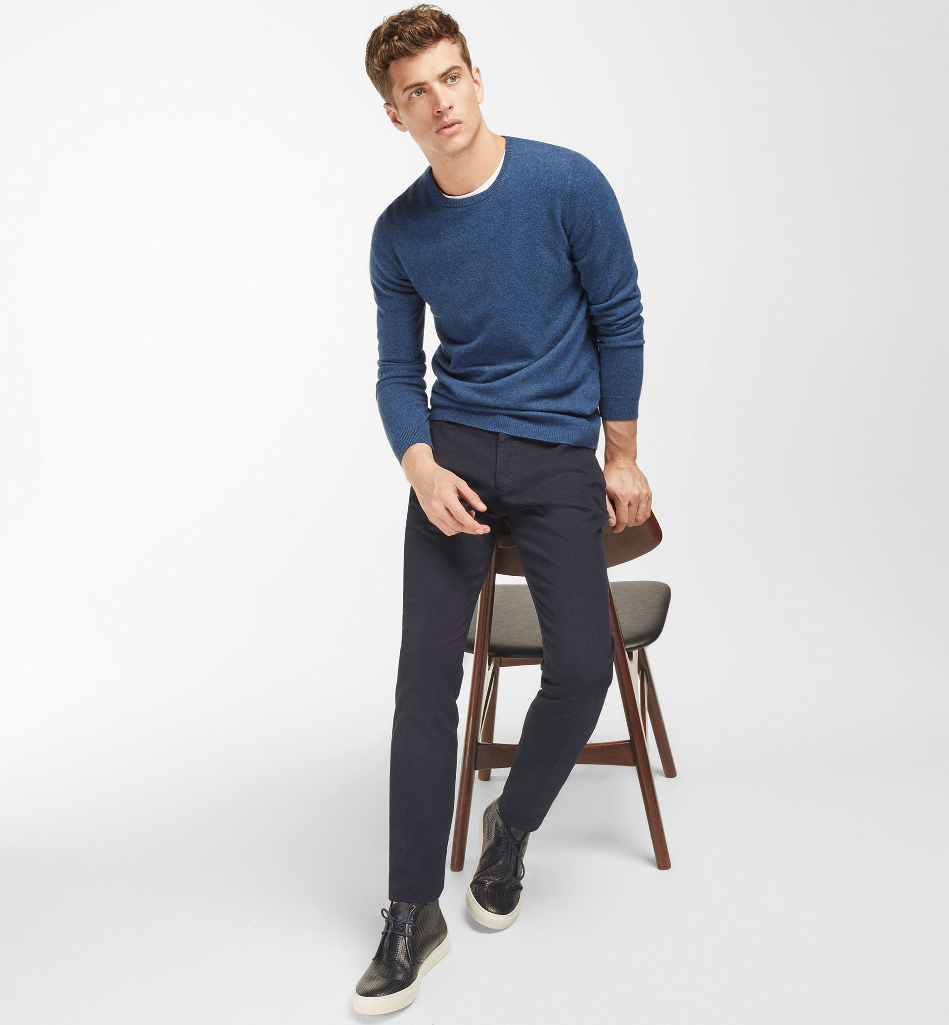 SLIM FIT MICRO-TEXTURE CHINOS