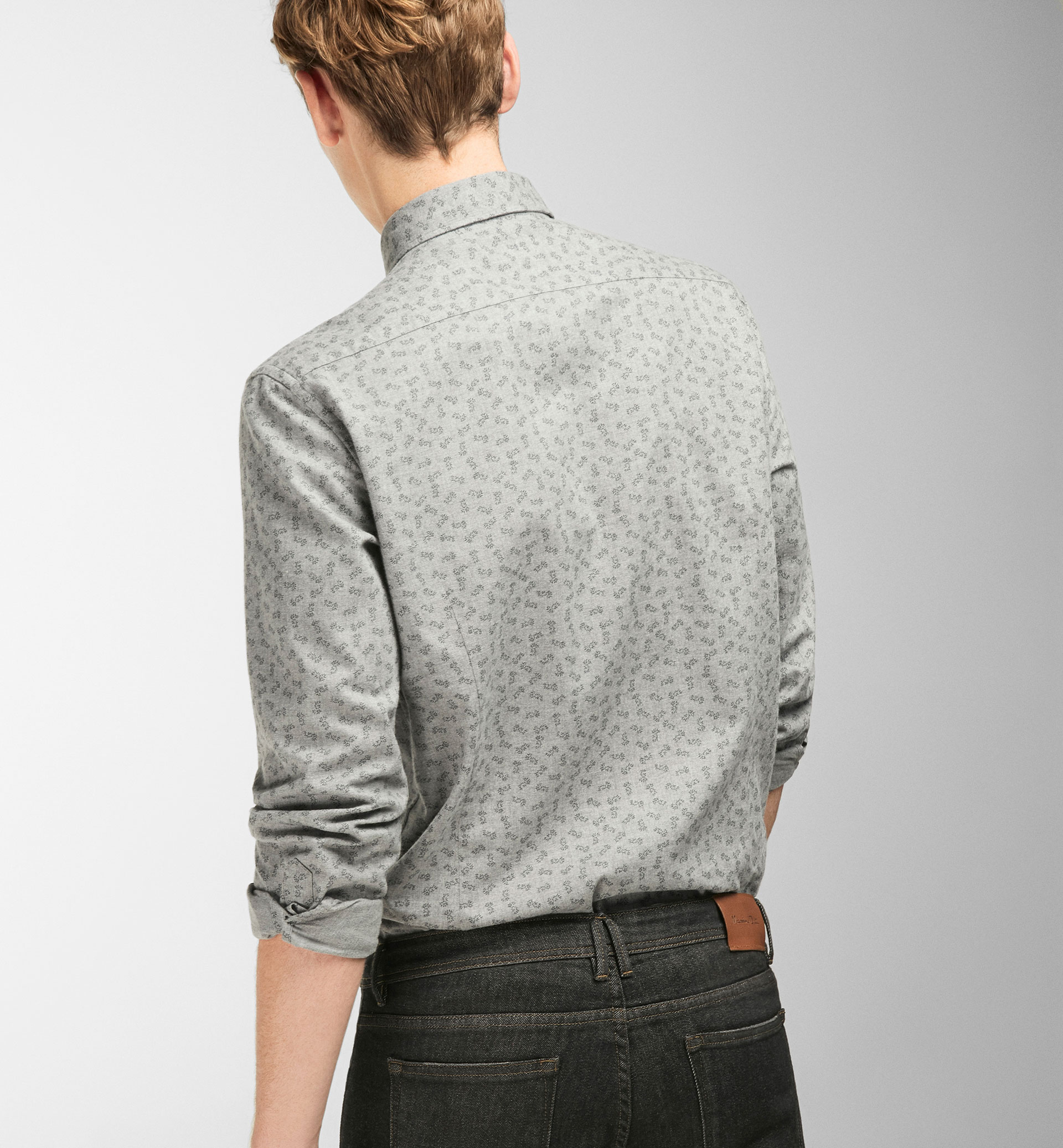 SLIM FIT BLACK LEAVES GREY SHIRT