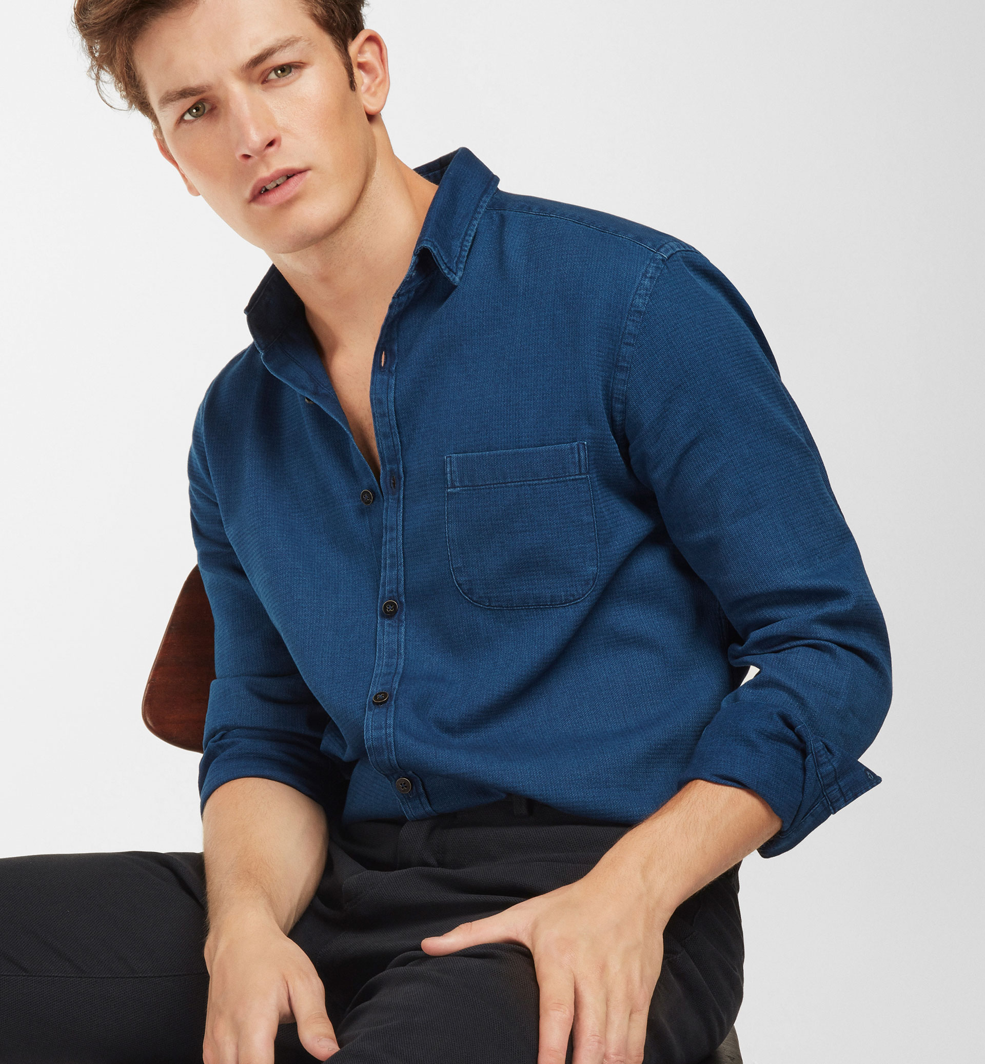 SLIM-FIT DENIM SHIRT WITH POCKET DETAIL