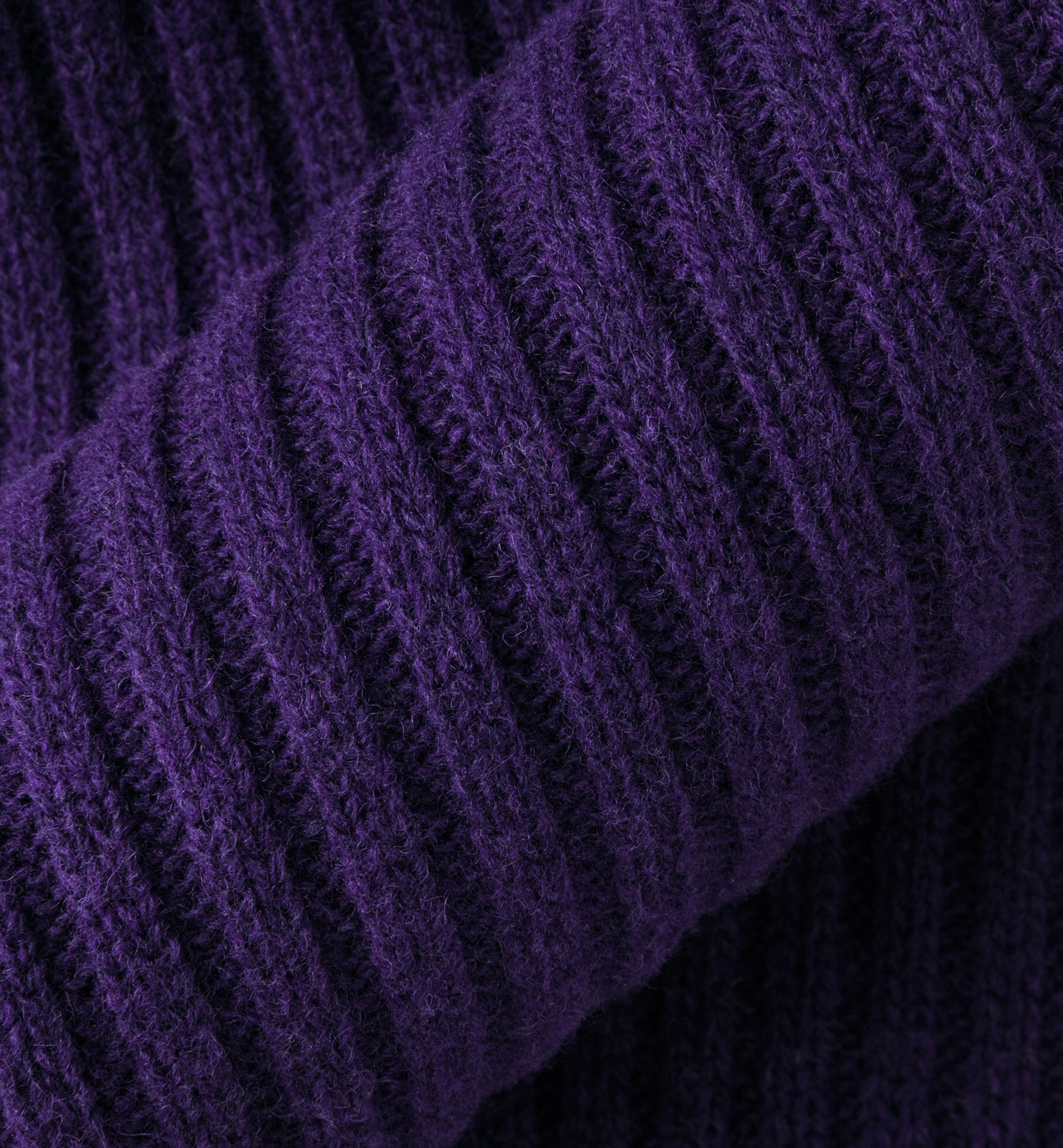 LIMITED EDITION RIBBED KNIT SCARF