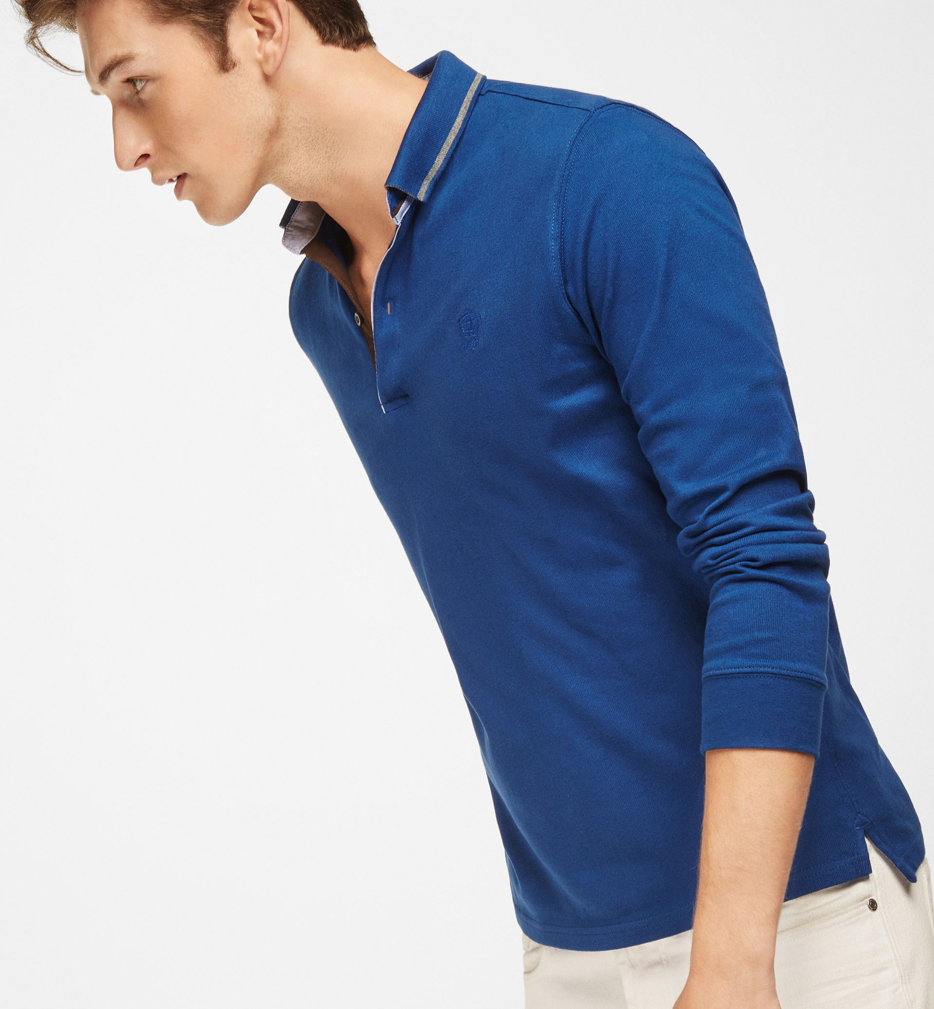 PLAIN POLO SHIRT WITH NECKLINE DETAIL