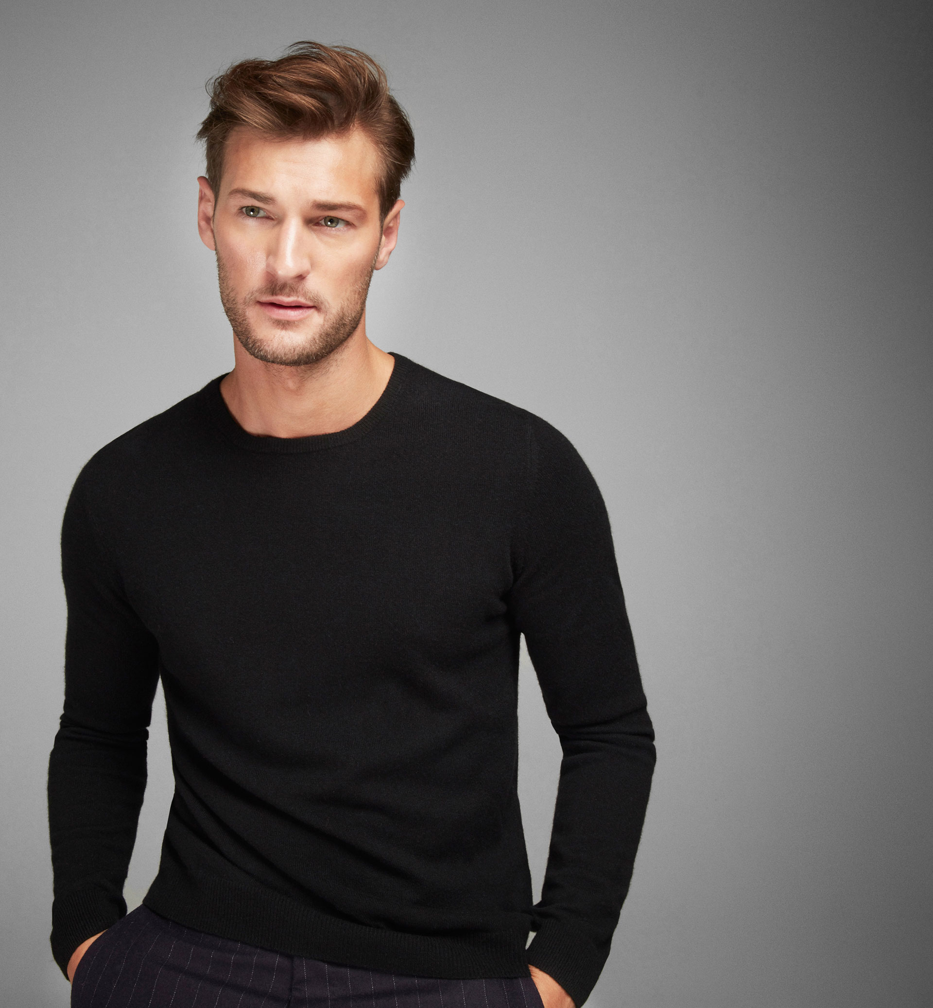 100% CASHMERE ROUND-NECK SWEATER
