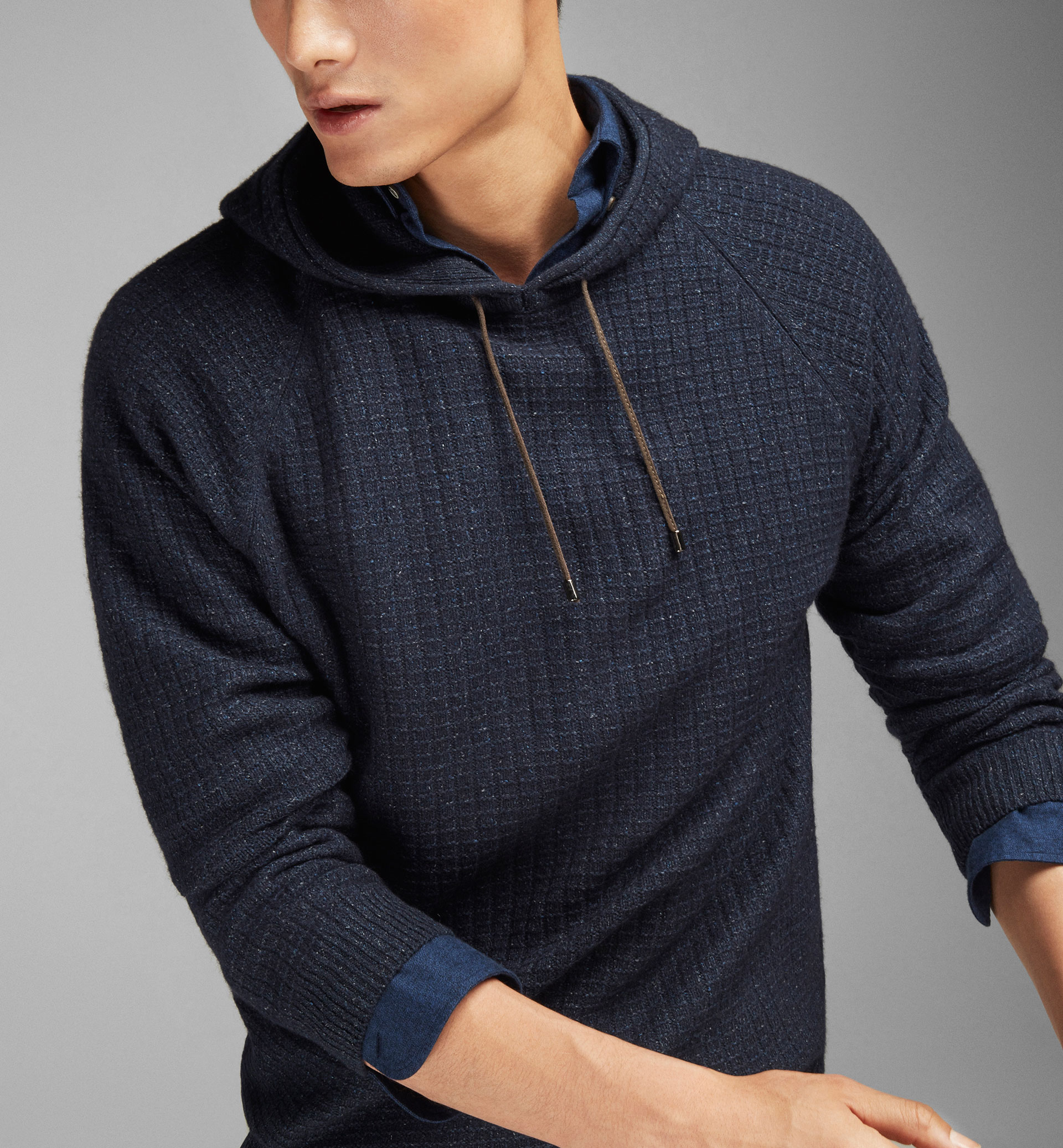 TEXTURED WEAVE HOODED SWEATER