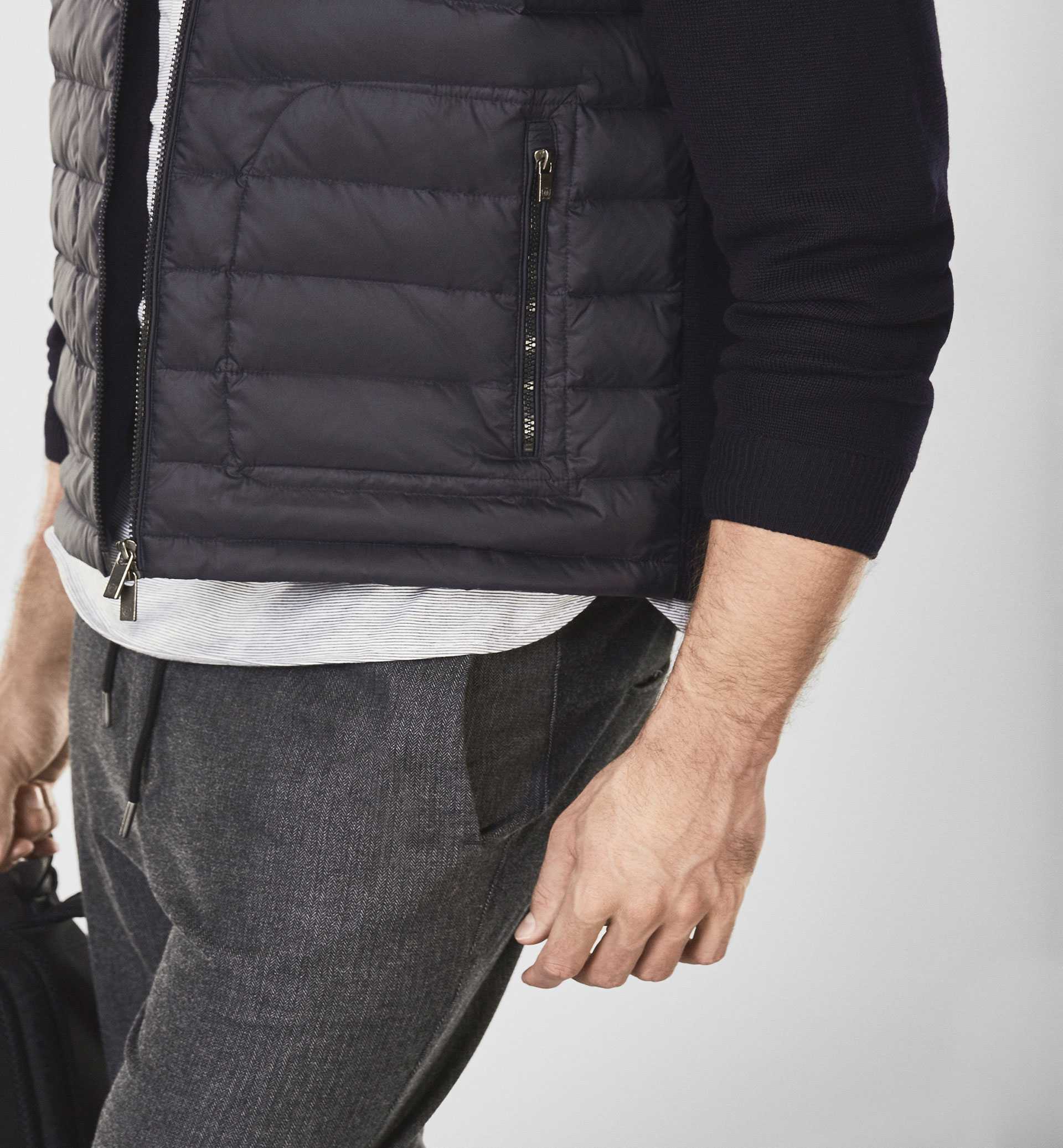 SOFT MERINO CARDIGAN WITH A QUILTED DETAIL