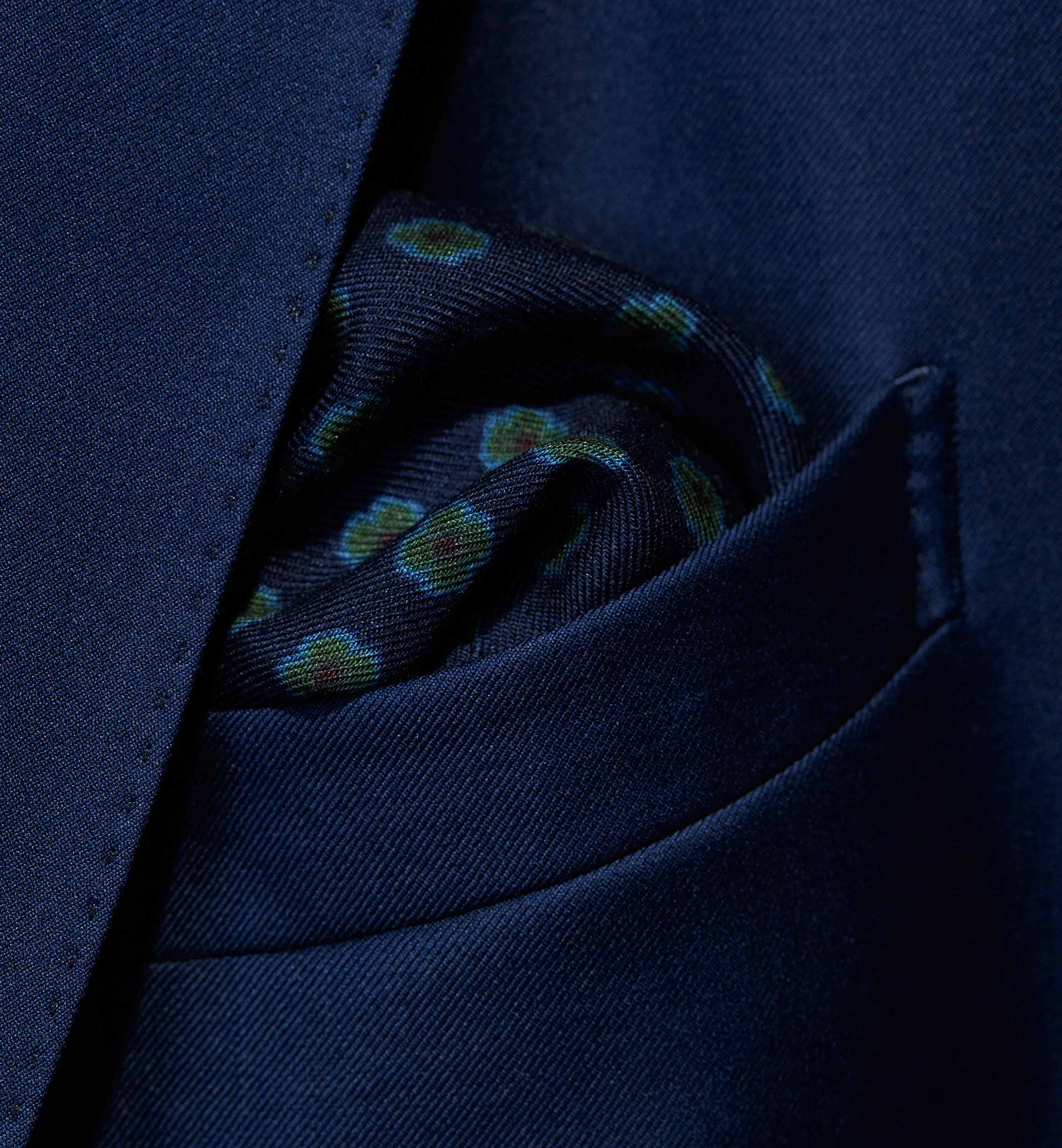 PERSONAL TAILORING GREEN FLORAL PRINT POCKET SQUARE