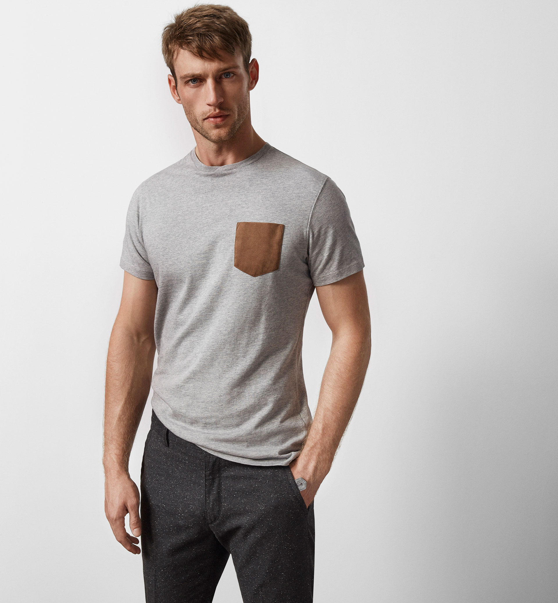 LIMITED EDITION T-SHIRT WITH A CONTRASTING POCKET