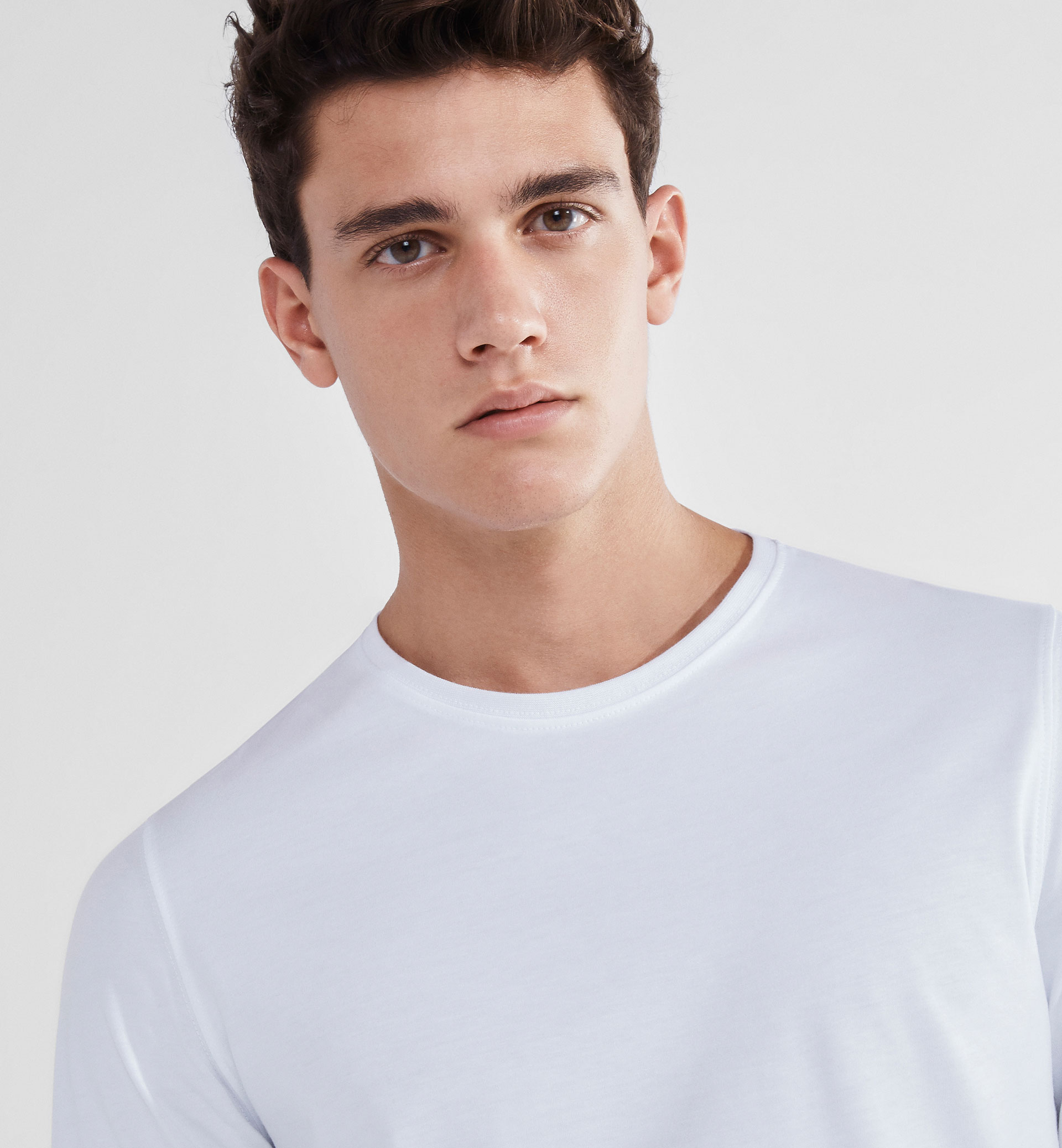 SOFT PLAIN BASIC T-SHIRT