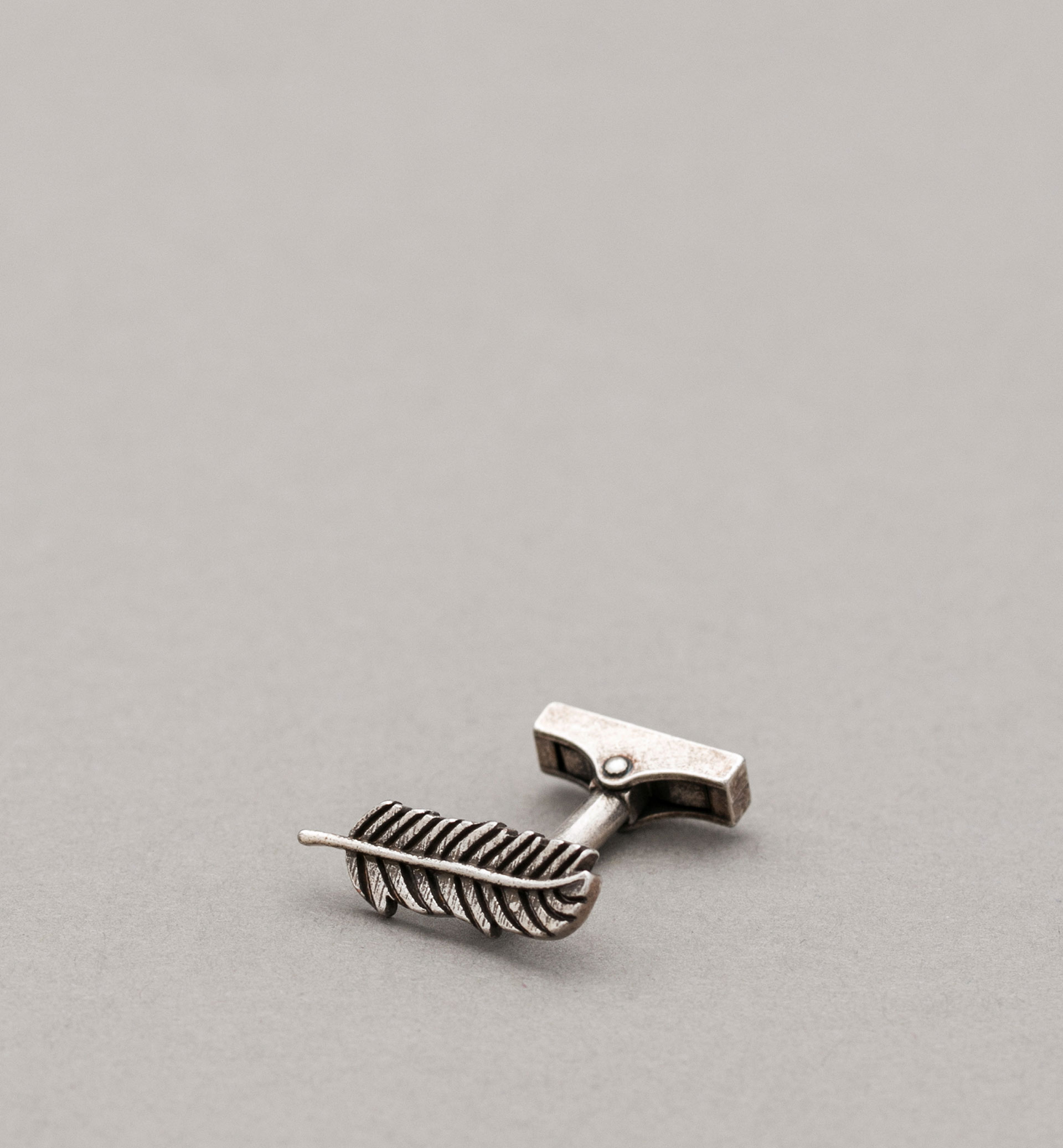 PERSONAL TAILORING FEATHER CUFFLINKS