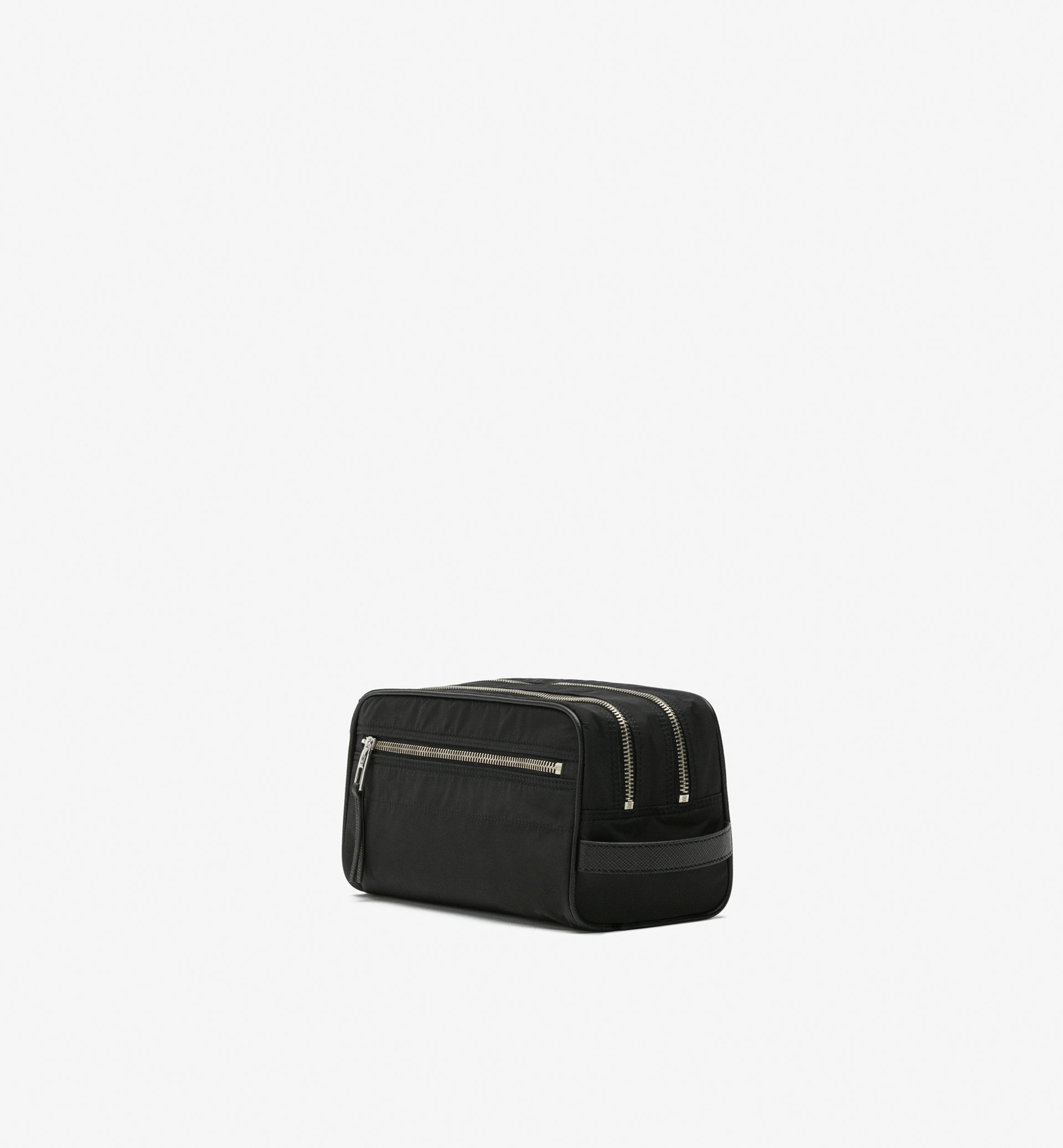 SOFT SAFFIANO TOILETRY BAG