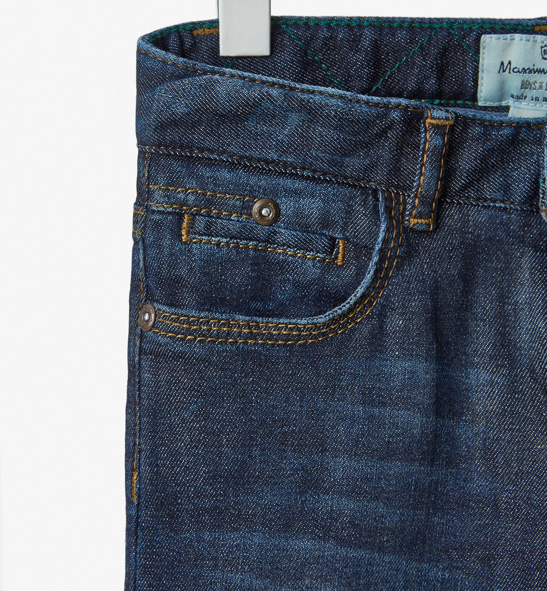 JEANS WITH CONTRASTING TOPSTITCHING