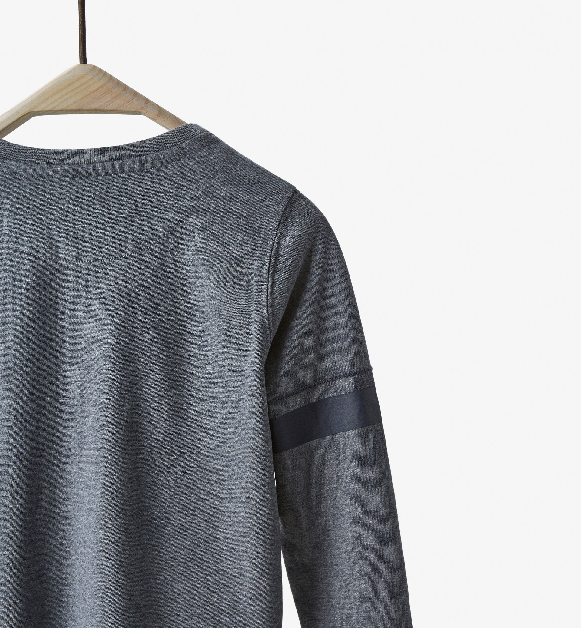 BASIC T-SHIRT WITH 85 DETAIL