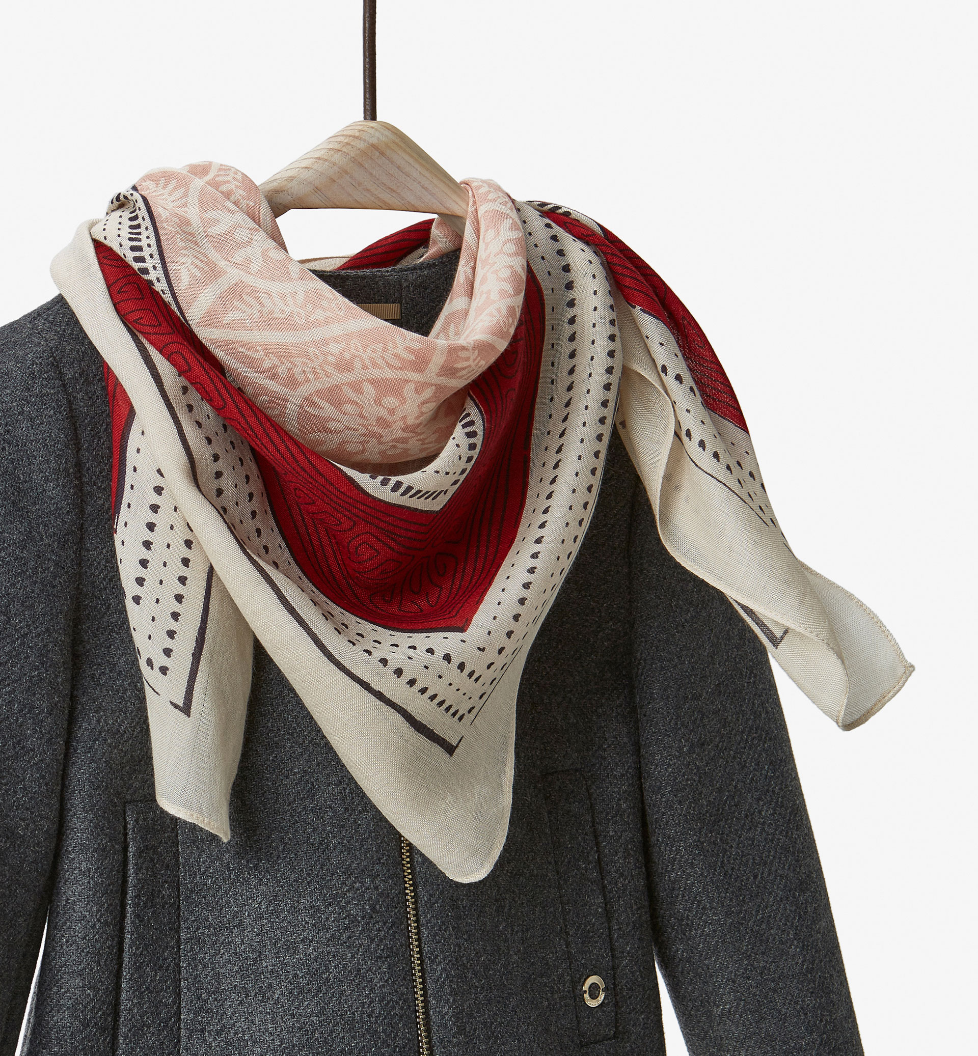 CHECKED FOULARD WITH MAROON DETAIL