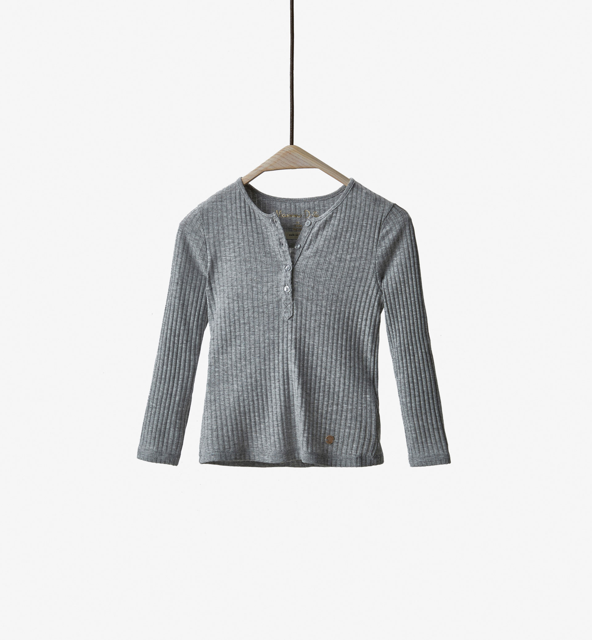 RIBBED BUTTON NECK T-SHIRT