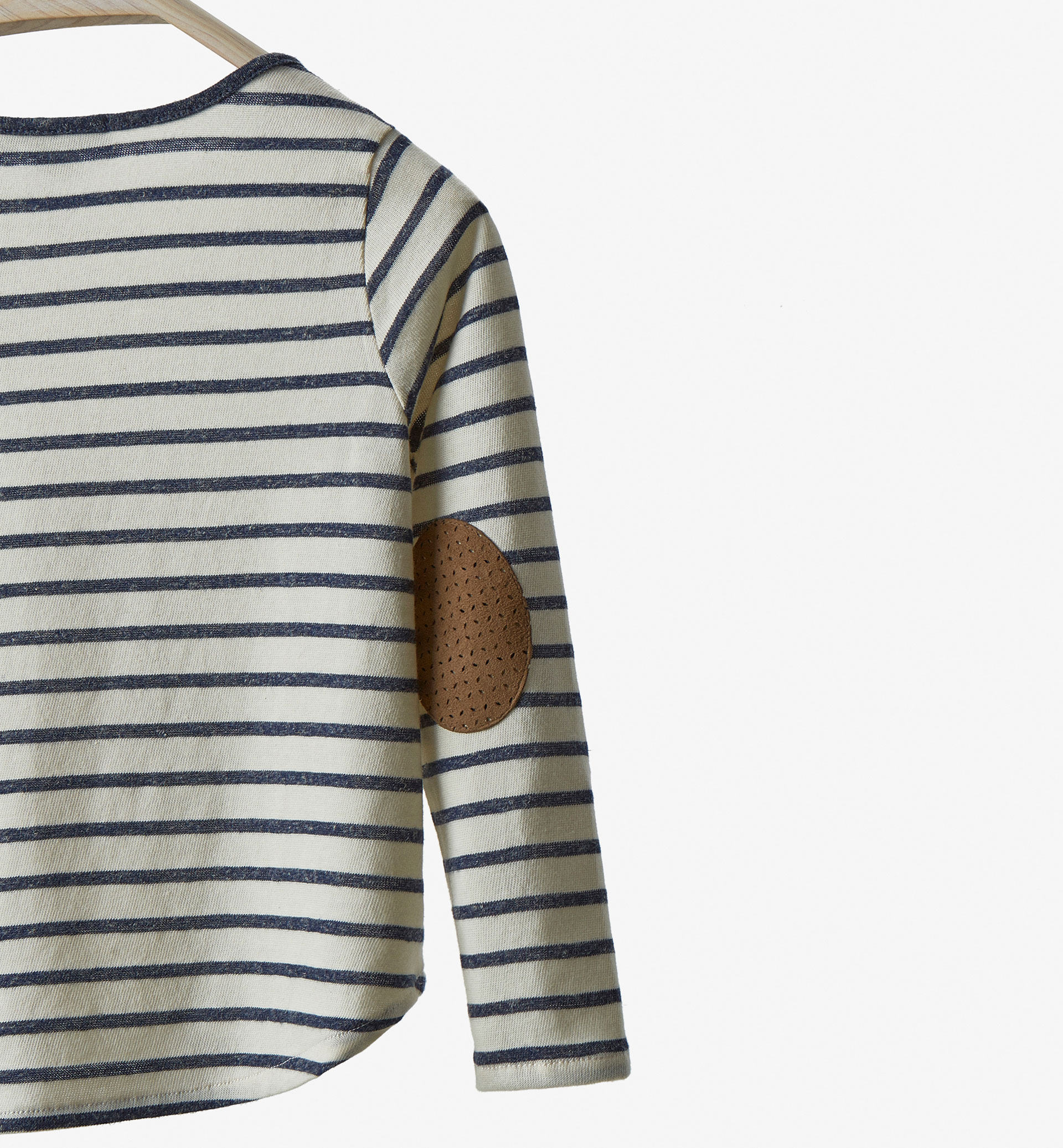 STRIPED ELBOW PATCH TOP