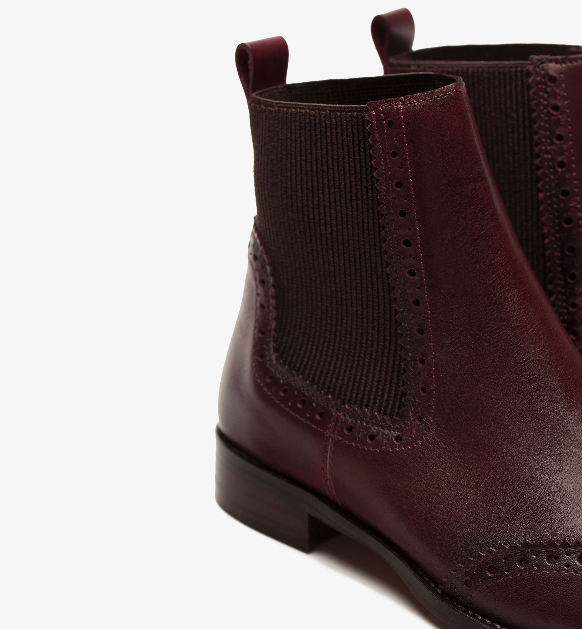 BURGUNDY CHELSEA BOOTS