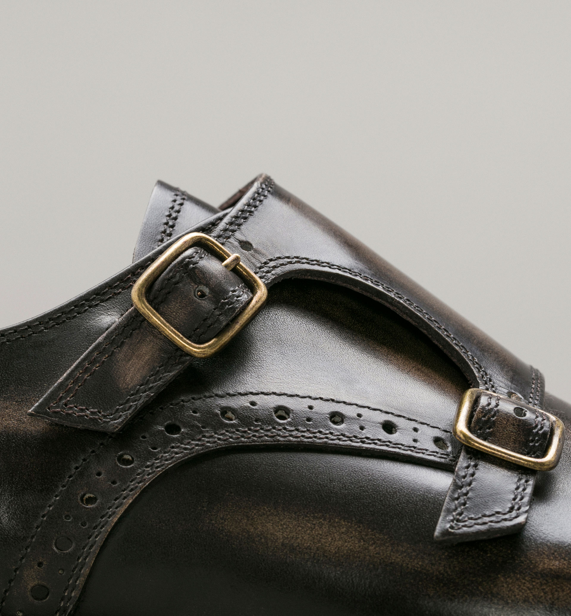 PERSONAL TAILORING SHOES WITH BUCKLES AND BROGUEING