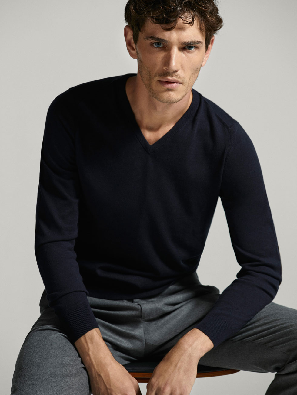 COTTON/SILK/CASHMERE SWEATER WITH ELBOW PATCHES - Men - Massimo Dutti