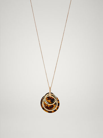 NECKLACE WITH RINGS AND TORTOISESHELL