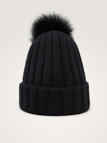 RIBBED BLACK CASHMERE/LEATHER HAT WITH POMPOM