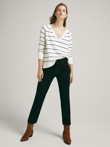MID-RISE SLIM CROPPED FIT JEANS