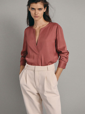 OVERSIZED BLOUSE WITH FRONT PLEAT