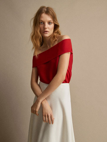TEXTURED WEAVE OFF-THE-SHOULDER TOP