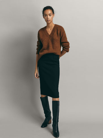 TEXTURED WEAVE SKIRT WITH DARTS DETAIL