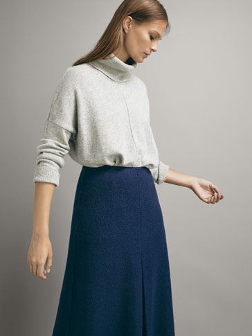 WOOL CAPE-STYLE SWEATER WITH TEXTURED CENTRE