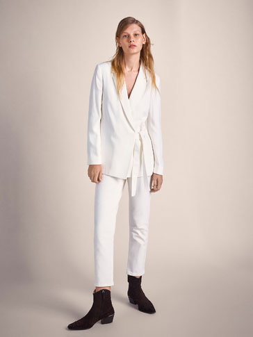 CROSSOVER CREPE BLAZER WITH SIDE TIE