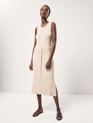 RIBBED DRESS WITH DRAWSTRING DETAIL