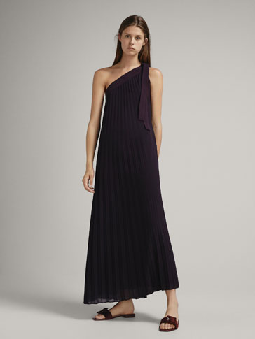 PLEATED DRESS WITH TIE DETAIL