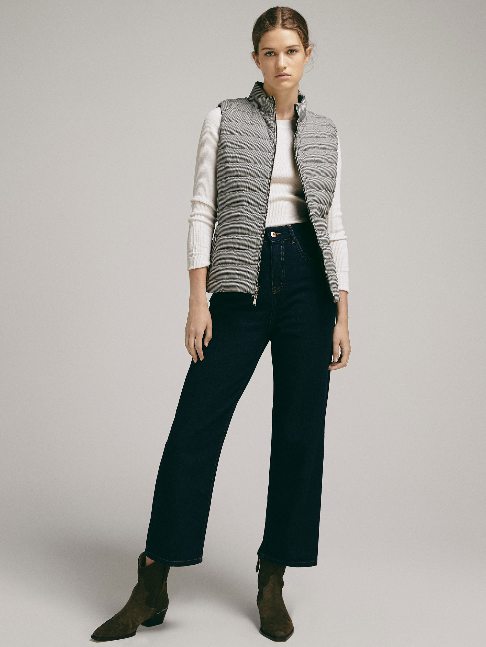 Massimo Dutti DOUBLE-SIDED DOWN PUFFER GILET at £79.95   love the brands 8fd37e9bf3c