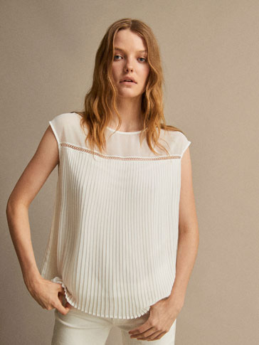 PLEATED TOP WITH INSERTED LACE DETAIL