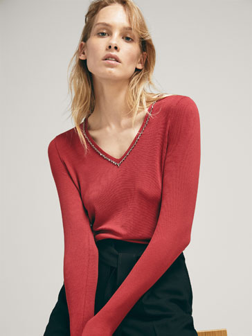SWEATER WITH GEM DETAIL