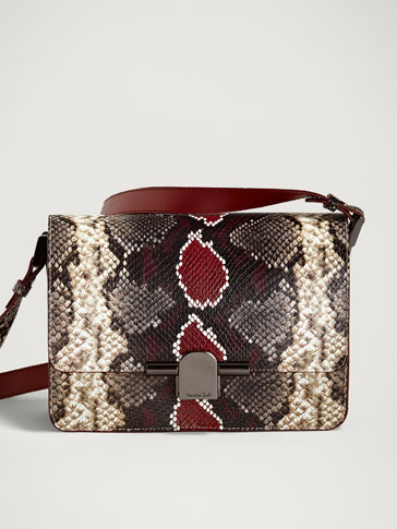 LEATHER CROSSBODY BAG WITH METAL CLASP