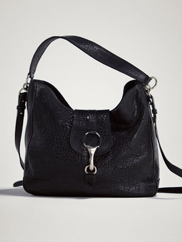 BLACK LEATHER BAG WITH LOBSTER CLASP