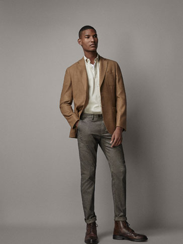SLIM FIT HERRINGBONE-TEXTURED CHINOS